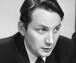 Former Guardian and BBC journalist William Davis dies aged 85