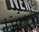 What they're saying: Journalists outraged over Newseum 'Fake News' items