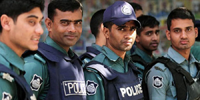 Bangladesh police detain three journalists