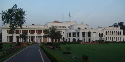 Only the 'favorites' allowed to cover PM's visit to Governor House
