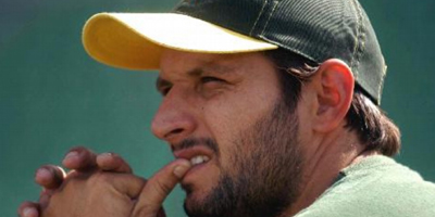Afridi snubs reporter; journalists demand apology