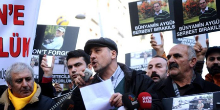 Turkey detains prominent journalist over tweets