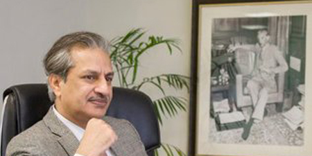 Former PEMRA chief Absar Alam welcomes plan to set up a single media regulator