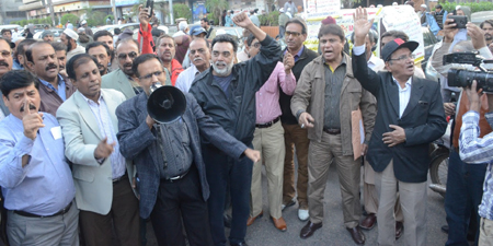 IFJ urges Pakistani media houses to reinstate laid-off workers