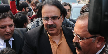 IHC reserves decision on Dr. Shahid Masood's post-arrest bail