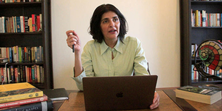 Journalist Gul Bukhari threatened with terrorism charges, extradition from UK