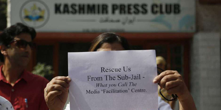 Kashmir journalists accuse Indian police of muzzling press