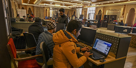 Kashmiri journalists, news outlets still offline after India partially restores internet