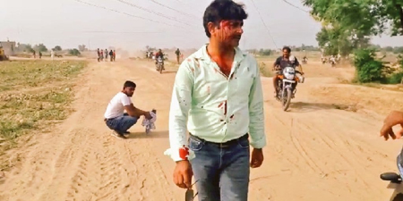 TV journalists attacked by illegal sand miners in India